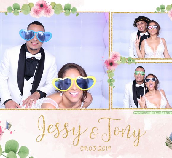 boda dominican booth Jessy & Tony